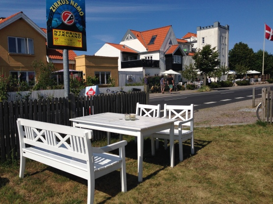 Drachmann bench, chairs and table from Skagerak, DK. Photo from Roervig DK